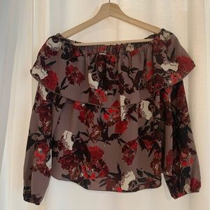 Small Wilfred Aritzia off the shoulder top
